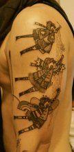Мужская тату на плече 73 салона Тату-77 в Москве