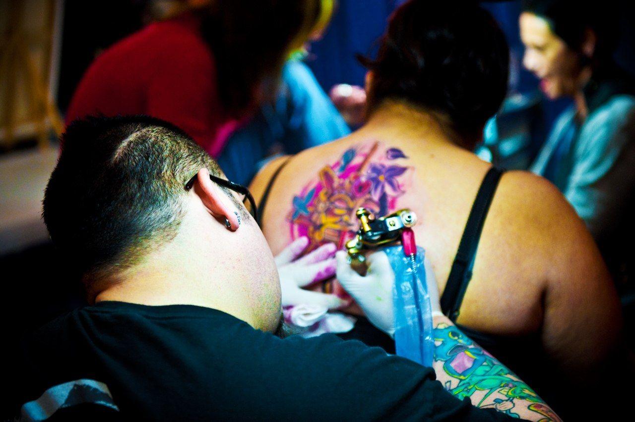 Ученые доказали, что татуировки опасны для жизни