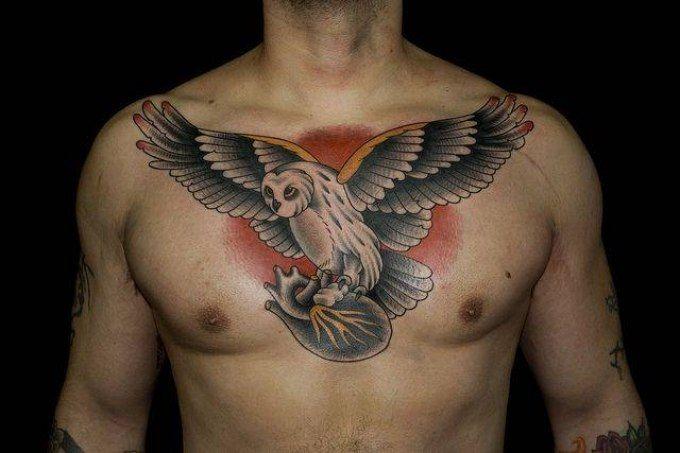 тату крылья на грудной клетке мужские