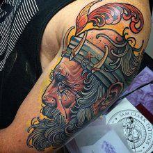 Мужская тату на плече 67 салона Тату-77 в Москве