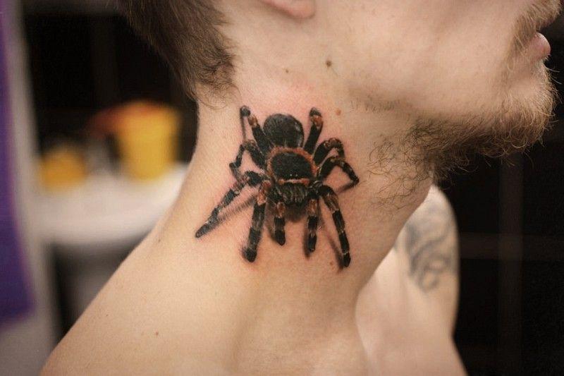 татуировки на шее картинки