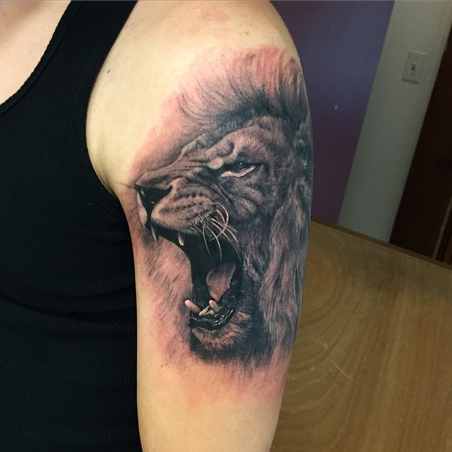эскиз льва в реализме Новый