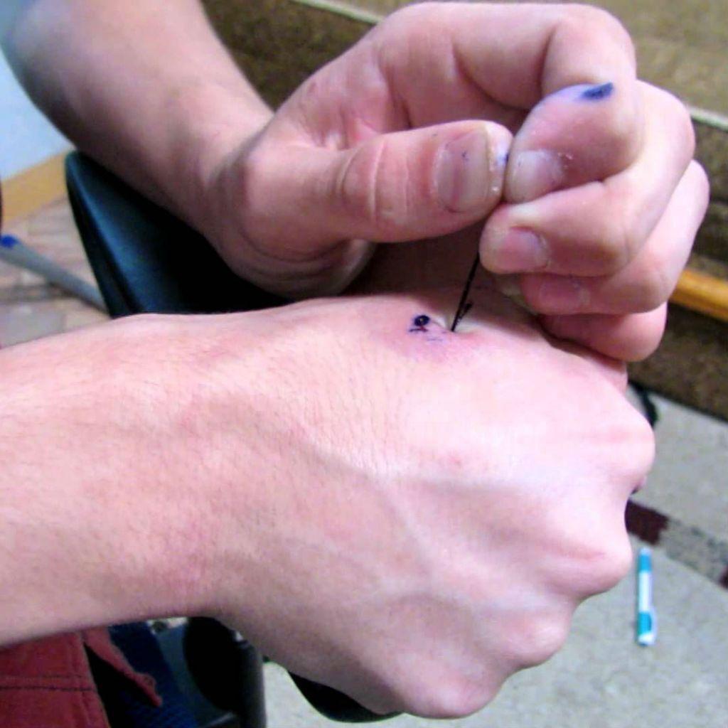 Как сделать тату только с иголкой