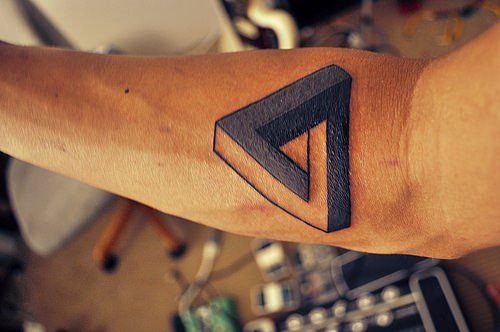 Татуировка треугольник